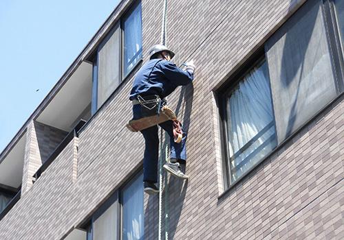 シーエスのリニューアル事業部 建物の外壁調査をします